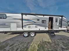 "FAMILY CAMPING HAS NEVER BEEN SO FUN!  2017 Forest River Salem 28CKDS What are you waiting for? Hitch up this 34' 6"" RV and hit the road for awesome family fun! The rear bunkhouse gives your little campers a place to call their own in the great outdoors, and you'll love the full residential amenities from bumper to bumper! This RV has a dry weight of 7,660 lbs.  Give our Salem expert Kim Frarey a call 517-795-9834 or send an email to kim@gillettesrv.com for pricing and more information."