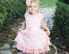 Blumenmädchen Kleid Spitze-Baby-Kleidung rustikale von ElluraSage
