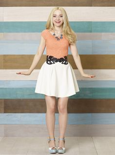dove cameron made liv left handed 04 Liv Et Maddie, Liv Rooney, Dove Cameron Style, Beautiful Celebrities, Foto E Video, Cute Outfits, Band Outfits, Pandora, Girly