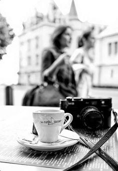 black and white paris film camera café Lausanne, Black White Photos, Black And White Photography, Manhattan Transfer, My Little Paris, Robert Frank, Foto Art, I Love Coffee, Coffee Break