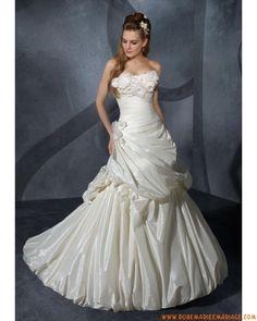 Robe de mariée sans bretelle ivoire 2012 au drapé taffetas