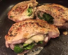 Weight Watchers SmartPoints=6: Savory Pork Chops Stuffed with Cheese and Pears