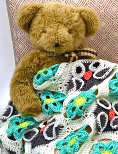 DIY Fall Crochet Projects | Snuggle up in style with this printed knit blanket