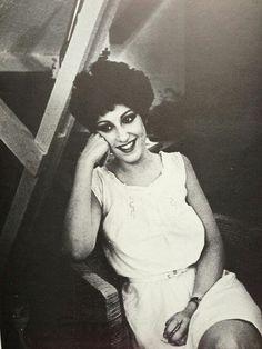 Keyboardist, guitarist, and singer for New order. Gillian Gilbert, Factory Records, Peter Saville, Ian Curtis, 80s Pop, Women In Music, Joy Division, Alternative Music, Post Punk
