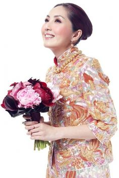 Different Colors and Classes of Kwa Qun - Traditional Chinese Wedding Dresses