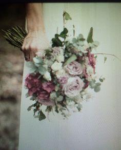 Rosas y burdeos