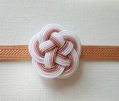 Decorative Knots, Japanese Design, Japanese Beauty, Handicraft, Macrame, Diy And Crafts, Logo Design, How To Make, Handmade