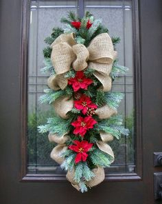 Not a tradional shape wreath but still effective non the less.