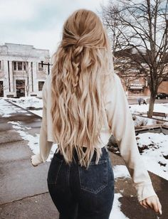 hair styles for long hair length Long Wigs Lace Hair Frontal Long Bleach Blonde Wig dianawigs Older Women Hairstyles, Winter Hairstyles, Trendy Hairstyles, Wedding Hairstyles, Casual Hairstyles For Long Hair, Gorgeous Hairstyles, Christmas Hairstyles, Ponytail Hairstyles, Hairstyles Tumblr