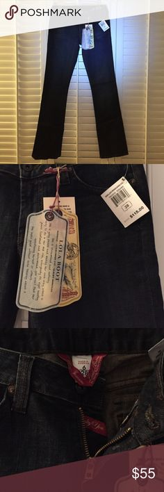 NWT Lucky Brand Lola Boot Cut Jeans NWT Lucky Brand Lola Boot Cut Jeans! Never worn. Tags intact. Soft, curvy size 6 style. Button pocket back. Lucky Brand Jeans Boot Cut
