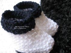 Tudo sobre tricô [tricot, knitting], como o compartilhamento de técnicas e receitas, dicas de elaboração (muitas delas com passo a passo). Baby Hat Knitting Pattern, Knitting Patterns, Crochet Patterns, Knit Shoes, Baby Hats, Knitted Hats, Knit Crochet, Slippers, Handmade