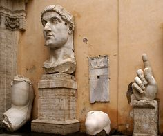 Rom, Kapitolinische Museen, Kaiser Konstantin der Große (Capitoline Museums, Emperor Constantine the Great) Stone Sculpture, Hand Sculpture, Constantine The Great, Palazzo, St Peters Basilica, Turn To Stone, Museum, Rome Italy, Fotografia