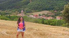Recorriendo la Rioja Alta, nos detenemos en Anguiano para asistir al increíble espectáculo de sus danzadores