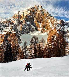 Mont Blanc, taken from Aosta Valley, Western Italian Alps, Monte Bianco, Courmayeur, region of Valle D'aosta , Italy