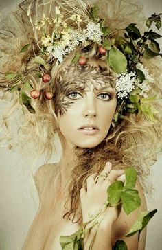 halloween wallpaper - Mother Nature Costume Hair Make Up Best Ideas - Fantasy Hair, Fantasy Warrior, Fantasy Makeup, Vegetal Concept, Mother Nature Costume, Images Esthétiques, Floral Headdress, Maquillage Halloween, 6 Photos