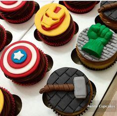 Cupcakes avengers jesse birthday in 2019 супергерои Marvel Cupcakes, Avenger Cupcakes, Avenger Cake, Iron Man Cupcakes, Cupcakes For Boys, Birthday Cupcakes, Super Hero Cupcakes, Avengers Birthday Cakes, Superhero Birthday Party