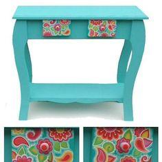 Buen dia!!! Hoy se va este bello mueble estilo provenzal!! 😊😍 #objetosdediseño #mueblespintados #objetospintados #pintadoamano #estiloprovenzal #deco #home #decoracion #homedecor #diseño #colors #hechoconamor