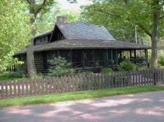 HOFFMAN-DORIEAN LOG CABIN / 11 Lakeshore Drive, Douglas:overlooking Lake Michigan, historic 1900 log cabin.