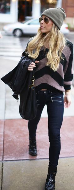Sporty Outfits  :      Picture    Description  Street style    - #Sporty https://looks.tn/style/sporty/sporty-outfits-street-style-9/