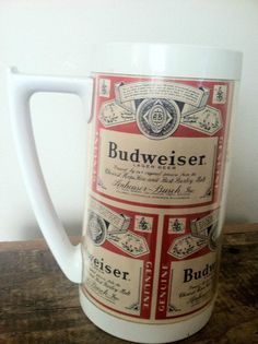 1 VINTAGE THERMO-SERV 16 oz PLASTIC BUDWEISER BEER RED WHITE HANDLED  MUG CUP