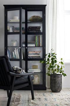 Ellos Home Skap Victoria, 4 Home Living Room, Interior Inspiration, Home Furniture, Home Decor, House Interior, Home Deco, Interior Design, Living Decor, Home And Living