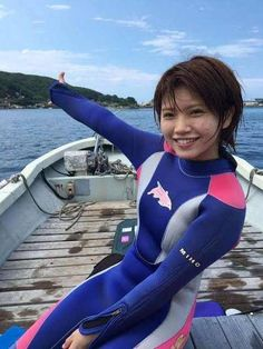 #SurfHair Women's Diving, Scuba Diving Gear, Japanese Girlfriend, Surf Hair, Diving Wetsuits, Scuba Girl, Seiko Diver, Womens Wetsuit, Swimsuits