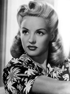 Betty Grable chemise hawaïenne