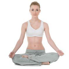 5 Minute Morning Yoga Routine for Weight Loss - Kahlmah Yoga Nidra, Bikram Yoga, Yoga Sequences, Yoga Poses, Pilates Yoga, Iyengar Yoga, Pilates Reformer, Ashtanga Yoga, Vinyasa Yoga