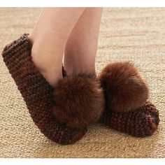 Mary Maxim - Free Basic Chunky Slipper Pattern - Free Patterns - Patterns & Books