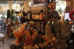 #roograyson #fall #fallforward #halloween #scarecrow #pumpkins #witches #design #home #decor #homedecor