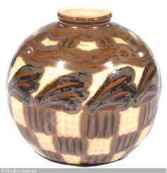 THARAUD Camille - Vase boule  250 EUR - 300 EUR