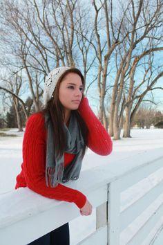 winter senior pic, outdoor senior pic, snow senior pic