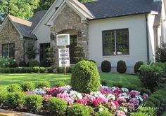 townhouse garden ideas inspiration small boxwood hedges curb appeal ideasbefore and after Boxwood Landscaping, Small Front Yard Landscaping, Backyard Landscaping, Landscaping Ideas, Small Front Yards, Retaining Wall Design, Townhouse Garden, Landscaping Equipment, Landscape Curbing