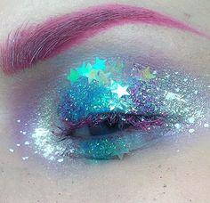 Amazing glittery makeup x