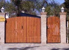 Resultado de imagen para portones de madera #PortonesParaCasa Backyard Gates, Backyard Bar, Driveway Gate, Fence Gate, Entrance Gates, Iron Gates, Shed, New Homes, Outdoor Structures