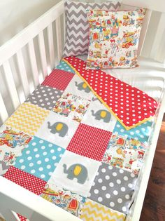 Vintage Circus Elephant Baby Quilt, would be cute for Flynnie @Kelly Teske Goldsworthy Teske Goldsworthy Teske Goldsworthy Richards
