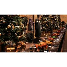 Hogwarts at Christmas at Warner Bros. Studio Tour London The Making of... ❤ liked on Polyvore featuring harry potter