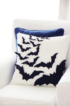 Web Server's Default Page Cute Pillows, Diy Pillows, Decorative Pillows, Pillow Ideas, Diy Halloween Decorations, Halloween Diy, Halloween Queen, Halloween 2019, No Sew Pillow Covers