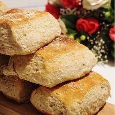Äppelfyrkanter med flingsalt - Victorias provkök Cornbread, Rage, Victoria, Ethnic Recipes, Starbucks, Millet Bread, Corn Bread, Victoria Falls