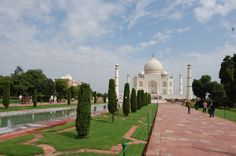 Jardins du Taj Mahal – Inde Agra, Le Taj Mahal, Parcs, Tree Of Life, Gardens, Building, Travel, Garden, Public Garden