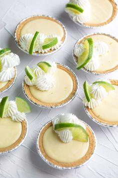 Easy Desserts, Delicious Desserts, Dessert Recipes, Mini Desserts, Mexican Desserts, Individual Desserts, Lemon Desserts, Pie Dessert, Tart Recipes