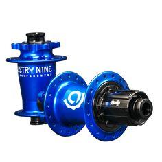 Torch Classic  Mountain Bike Hub -Blue - On Black - DSC03363.png