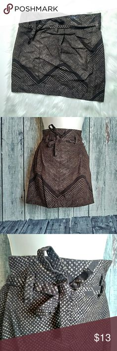 """Gap tie skirt Loove the tie on This skirt. Looks great with top tucked. Great skirt to have. 17"""" length GAP Skirts Midi"""