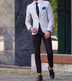 dress like a boss // mens fashion // menswear // city boys // menswear // urban life // mens shoes // blazer // stylish men // watches // mensaccessories //