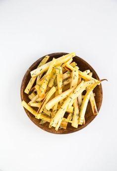 São batatas fritas? São. Levam batata? Não. Mas chamam-se batatas fritas? Sim. Mas são fritas?  http://www.casalmisterio.com/5-receitas-de-batatas-fritas-que-nao-414386 | casal mistério