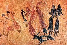 Escena ritual de Cogull (Lérida). La pintura levantina parece reflejar la vida de grupos dedicados a la caza y a la recolección. Estas pinturas aparecen en abrigos rocosos interpretados como santuarios, opta por composiciones más esquemáticas y dinámicas: escenas de caza, danza y guerra; ceremonias y rituales. #Prehistoria #Neolitico #PinturaLevantina