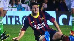 Liga - Messi in injury scare at Betis