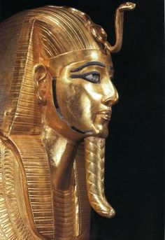 Tombs contained the golden adornments that kings used to wear.