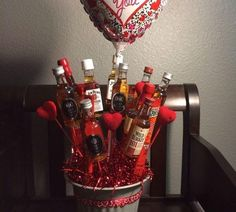 Man Bouquet for Valentine's Day (Gift) Alcohol Bouquet, Liquor Bouquet, Candy Bouquet Diy, Man Bouquet, Gift Bouquet, Great Valentines Day Gifts, Valentines Diy, Liquor Gift Baskets, Raffle Baskets