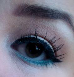 Fake lashes & teal liner eye makeup look / julieknowshow.blogspot.com